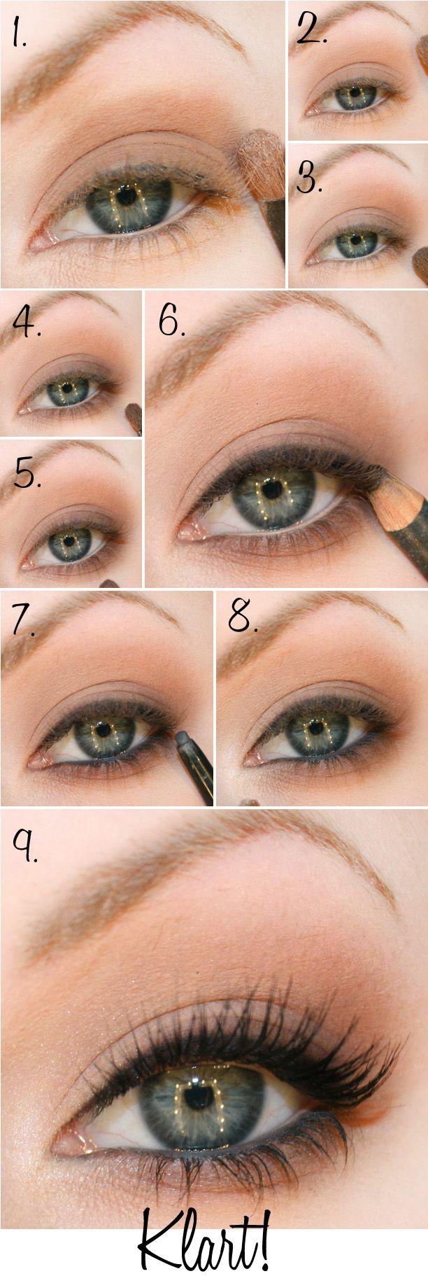 simple blue eyeshadow tutorial