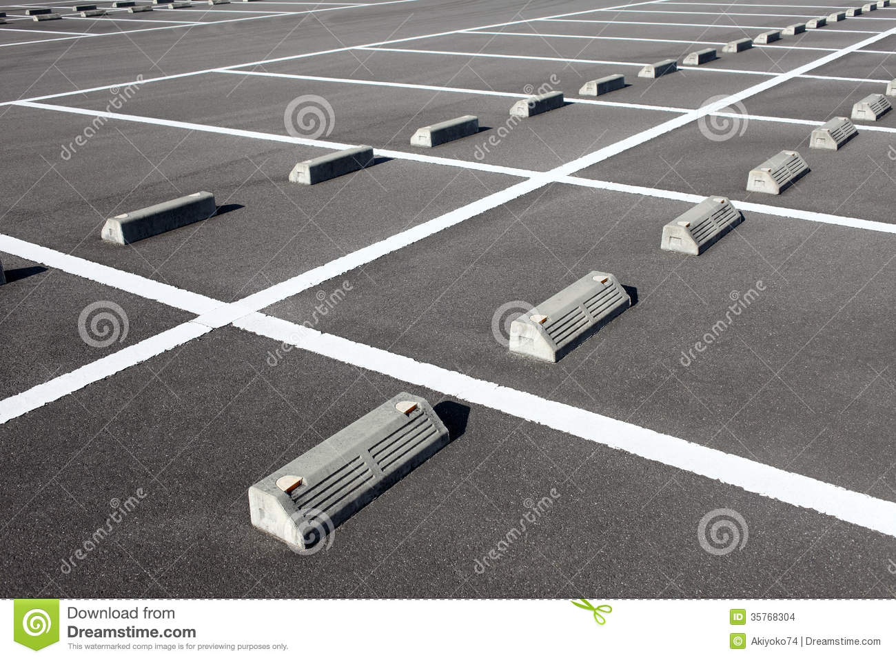 how to park a car in a parking lot tutorial