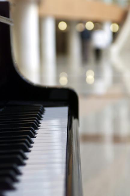 kiss me piano tutorial