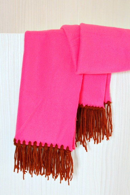 fringe fleece scarf tutorial