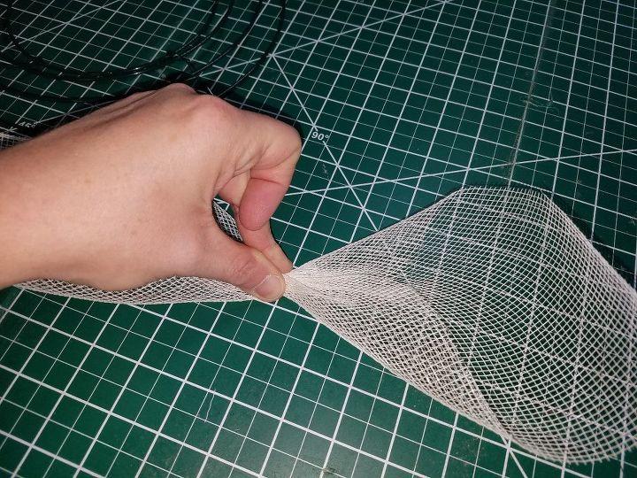 deco mesh flower tutorial