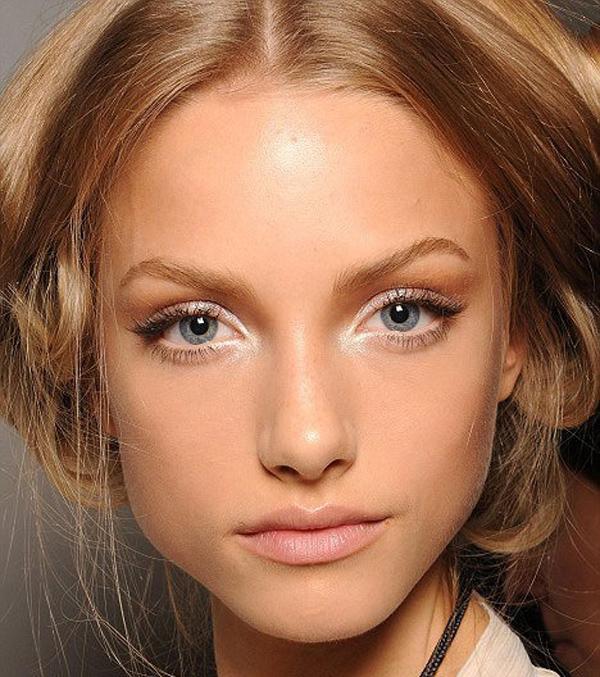 wide eye makeup tutorial