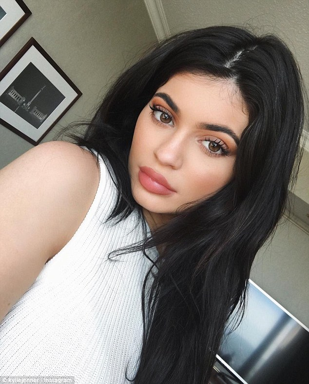 kylie jenner makeup tutorial snapchat